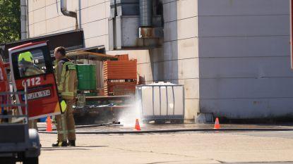 Brandweer moet tussenbeide komen voor chemische reactie in vat met aluminiumpoeder