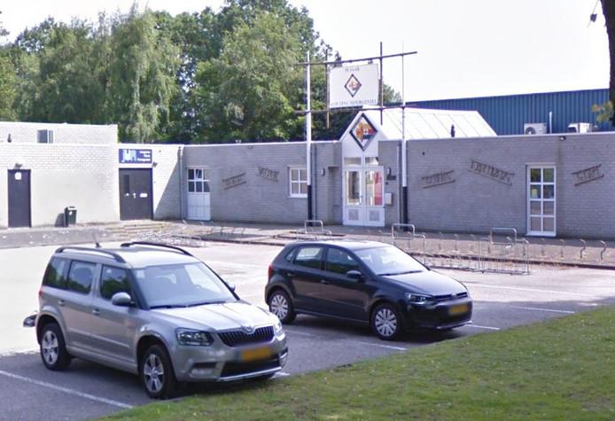 Verenigingsgebouw D'n Donk aan de Bosstraat in Moergestel.