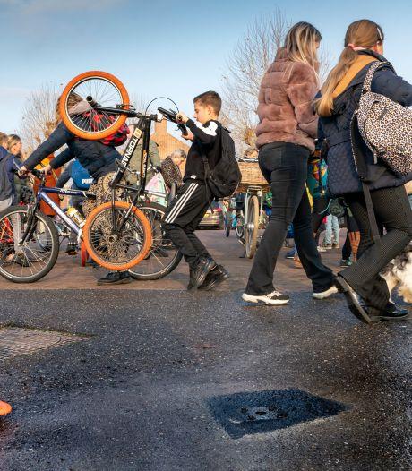 Wijbosch krijgt eindelijk een hek op onveilig schoolplein