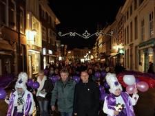 Ruim honderd deelnemers lichtjestocht in Bergen op Zoom