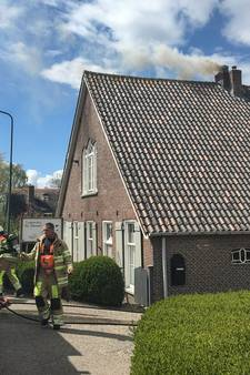 Schoorsteenbrand in boerderij in Lopik snel onder controle