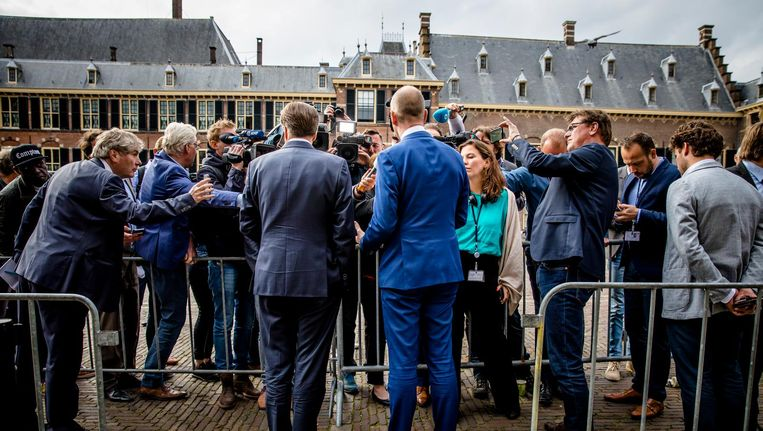 Alexander Pechtold (D66) en Gert-Jan Segers (ChristenUnie) op het Binnenhof na afloop van een gesprek met de informateur Beeld anp