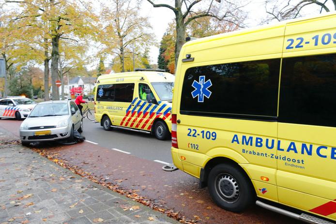 Aanrijding auto en fietsster op Floralaan Eindhoven.