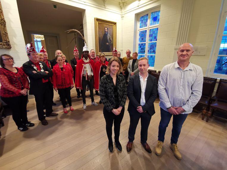 De Orde van de 3 Sleutels presenteert de kandidaten voor de titel van Stadsprins en Sleutelfee. We zien Irene Verbeke, Brian Anne en Wesley Campe