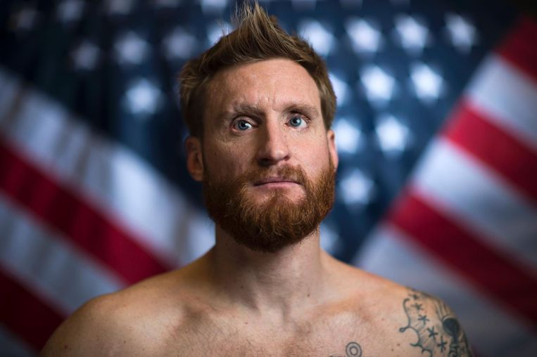 Paralympisch zwemmer en ex-SEAL Brad Snyder uit de Verenigde Staten, die door een bermbom in Kandahar in 2011 zijn beide ogen verloor. Beeld anp