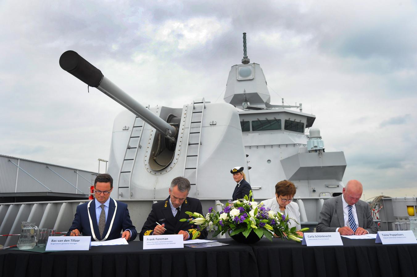 De ondertekening, in 2016, van de laatste overeenkomst voor de komst van de marinierskazerne naar Vlissingen.
