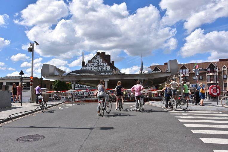 Budabrug Kortrijk gaat weer omhoog