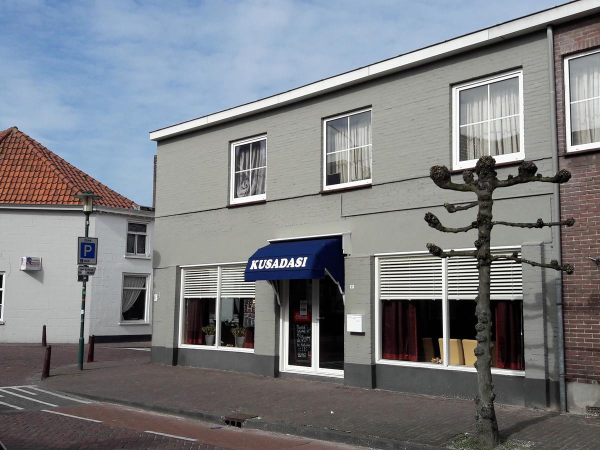 Shoarmazaak Kusadasi in de Paardenstraat in Hilvarenbeek.