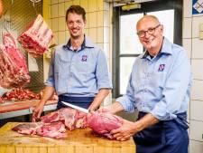 De Zeeuwse varkens van slager Van der Meer groeiden op een strooibed