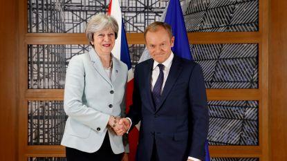 """Tusk wijst op """"enorme uitdaging"""" van brexit, May op """"positieve sfeer"""""""