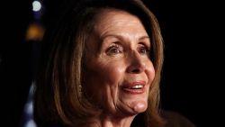 """Nancy Pelosi pleit voor """"checks and balances"""" voor Trump"""