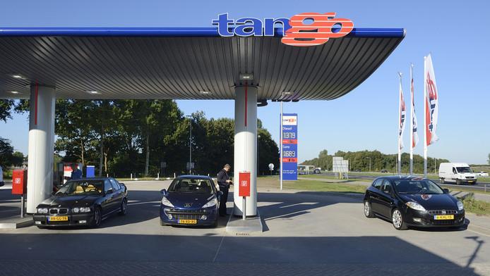 Het onbemande tankstation van Tango langs de A27