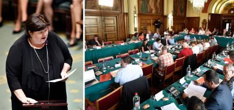 """Fermeture de maternités: Charleroi dit """"non"""" à Maggie De Block"""
