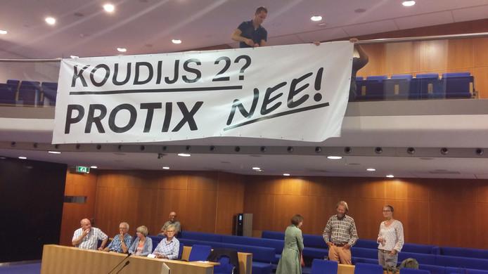Tegenstanders van Protix lieten dinsdagavond niets aan onduidelijkheid over.