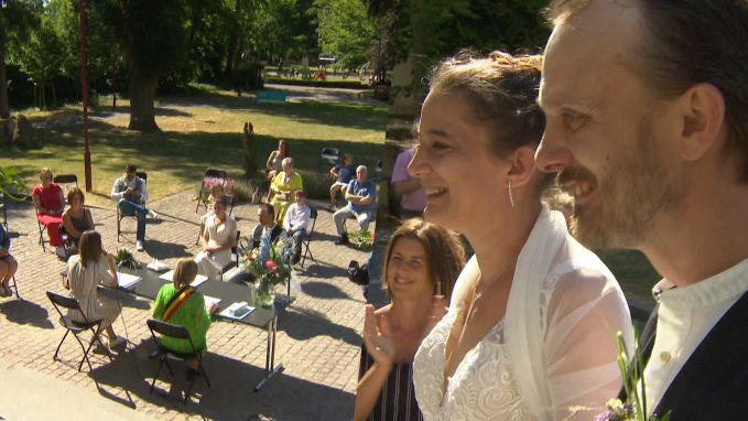 Coronaproof trouwen in het park