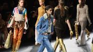 Goud, glitter en glans: Chanel stoomt je klaar voor de feestdagen met nieuwste modeshow