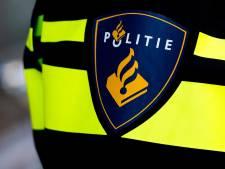 Politie deelt beelden pinnende overvaller in Apeldoorn