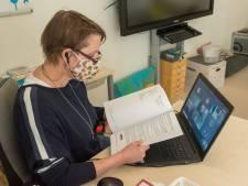 Leergeld helpt arme gezinnen: 'In coronatijd is voor school een laptop onmisbaar'