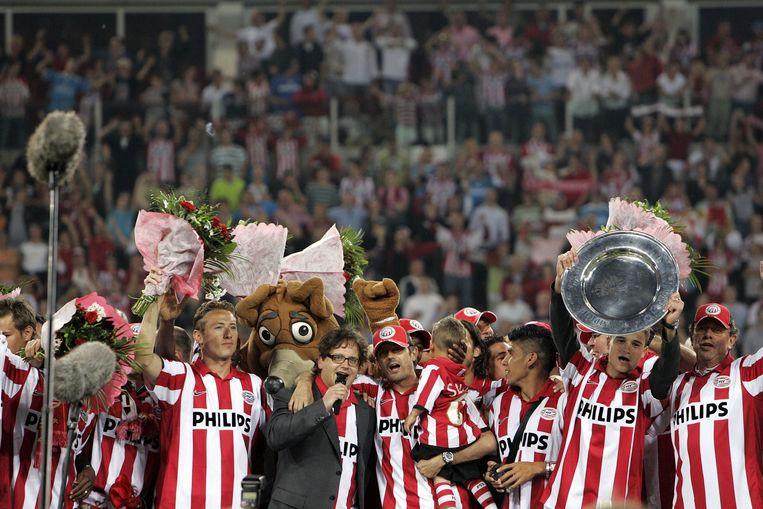 Guus Meeuwis bij de huldiging van landskampioen PSV in 2007. Beeld null