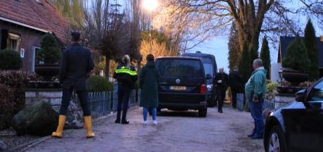 Weg aangelegd voor ontruimen enorm drugslab op boerderij bij Veenendaal