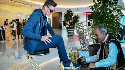 """Mathieu van der Poel begint wegseizoen en is zelfs in Turkije een ster: """"Ga geen bredere bast kweken zoals Van Aert"""""""