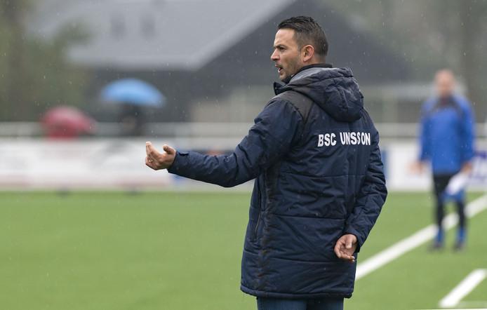 Ondanks de aanwijzingen van coach Michel Weiss, verloor BSC Unisson met 3-1 bij Diepenheim.