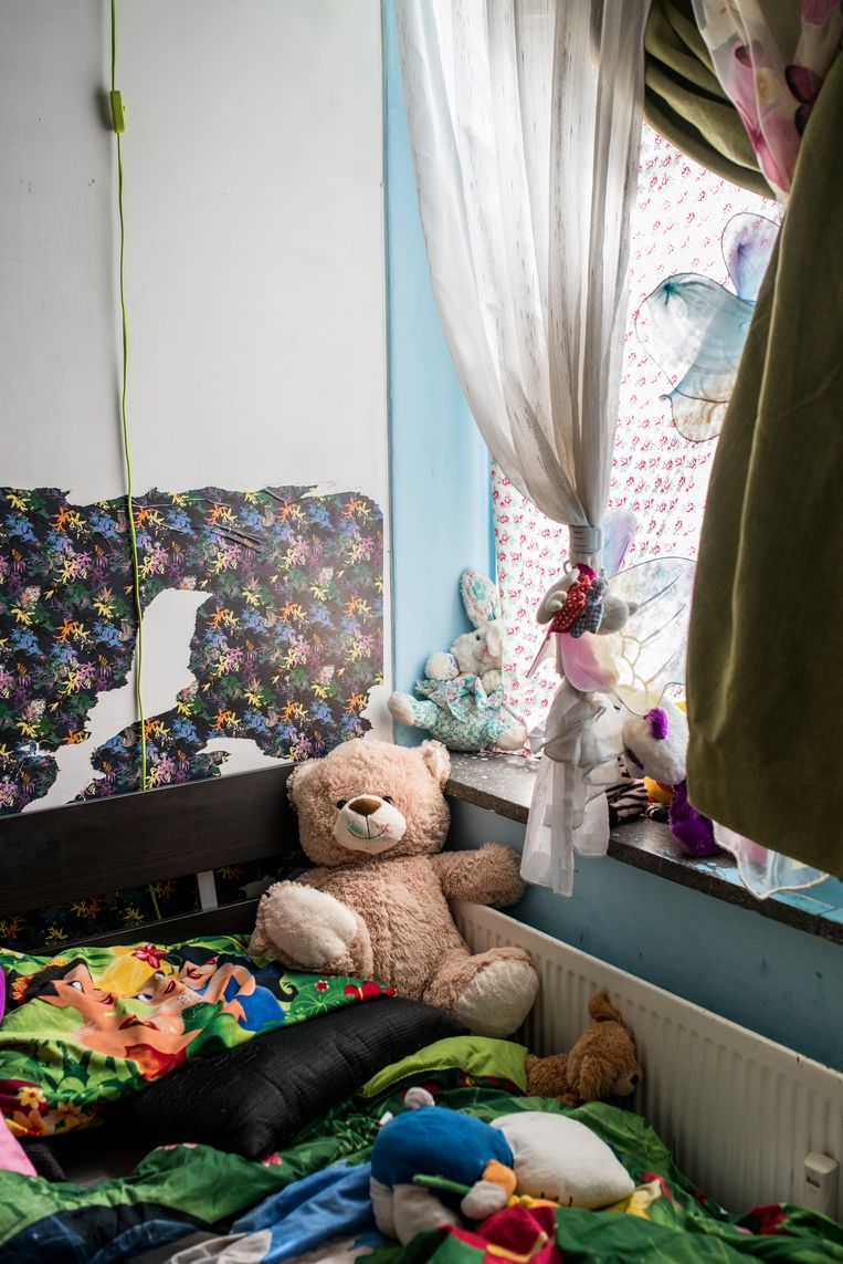 De slaapkamer van de dochters van Rasha Saleh, die onlangs door haar ex-man zijn ontvoerd. Beeld Linelle Deunk