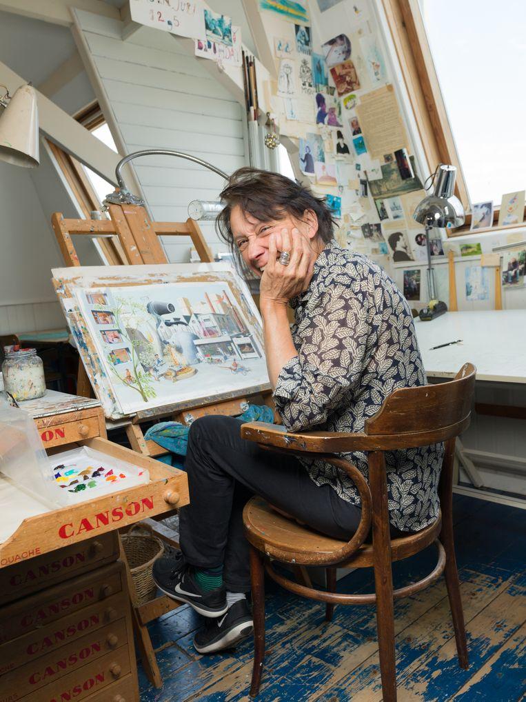 Charlotte Dematons in haar werkkamer in Haarlem. Beeld Ivo van der Bent