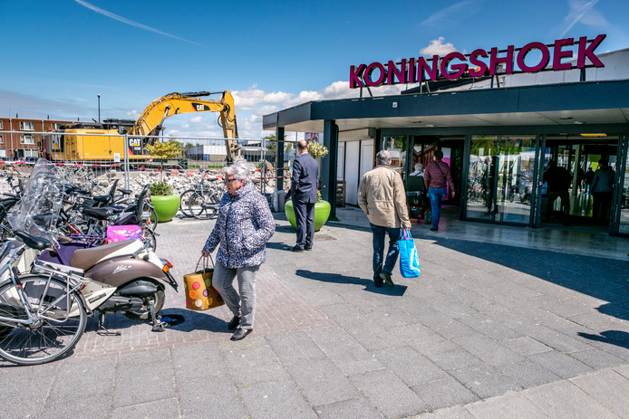 Archieffoto van winkelcentrum Koningshoek.