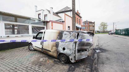 Bestelwagen in brand gestoken
