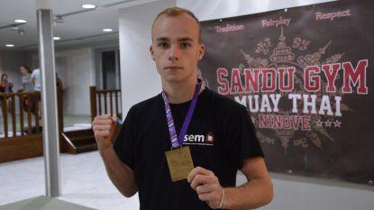"""Gianny (17) is wereldkampioen thaiboksen: """"In tranen uitgebarsten toen ik Thailand versloeg"""""""