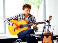 Koorzang en flamenco-muziek bij Da's Passie in Osse Jozefkerk