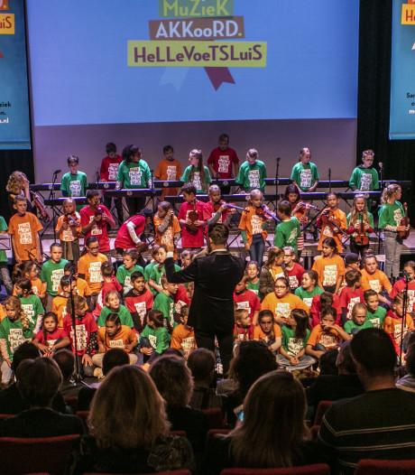 De 3000 scholieren van Hellevoetsluis zijn de komende jaren van muziekonderwijs verzekerd