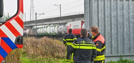 Dierlijk afval lekt uit goederentrein bij Breda, stilgelegde trein komt weer op gang