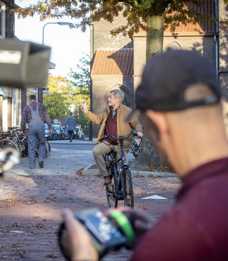 Zwiep Fietsen in Oldenzaal plots decor van Finkers-film