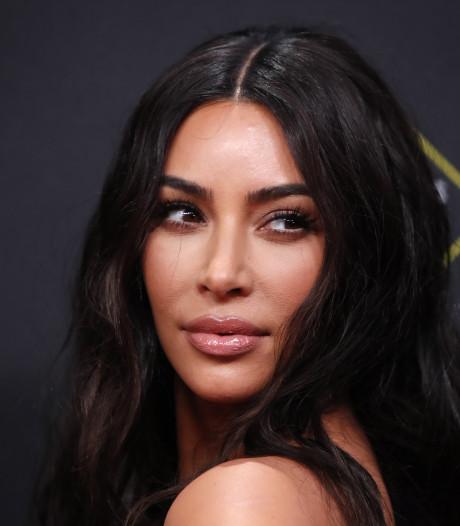 Kim Kardashian daagt dokter om vampire facial
