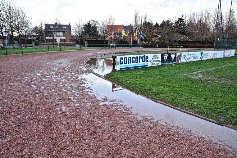 Atletiekclub RTOM krijgt een nieuwe piste in kunststof in het Vaubanstadion. Bij regenweer is trainen momenteel immers onmogelijk, zo bevestigt dit beeld.