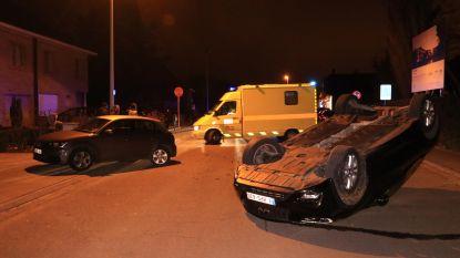 Overkop na aanrijding tegen geparkeerde auto