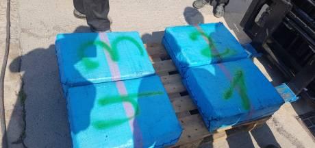 Huiszoeking in Tholen na vondst vijftien ton hasj op drugsboot bij kust Spanje, drie Nederlanders opgepakt