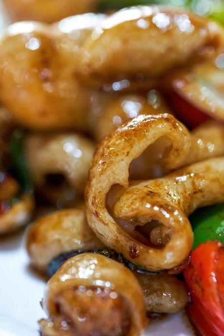 Eigenaar van Chinees restaurant is pijnlijk eerlijk over zijn gerechten: 'Ik ben niet zo'n fan van onze versie'