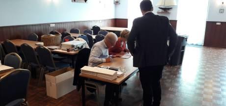 Stembureaus in Heteren geopend 'Al best een hoge score in een uur'