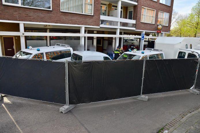 Inval bij de Corner Club in Breda. Er werden 7 mensen aangehouden.