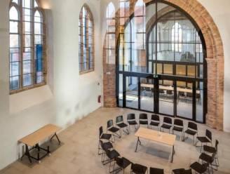 Zoek mee naar naam voor polyvalente zaal in Sint-Niklaaskerk