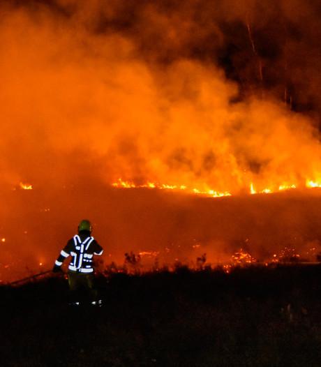 Natuurbranden teisteren de regio tijdens gortdroog paasweekend