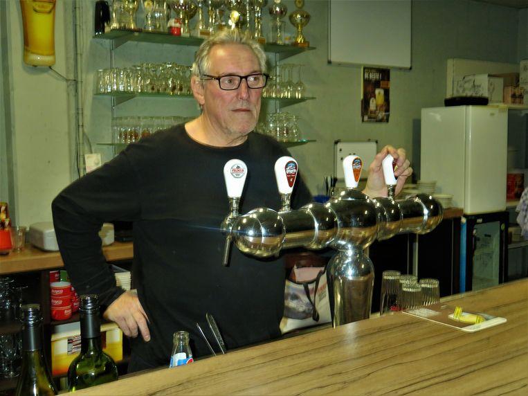 Werry Peeters runt voorlopig als vrijwilliger de cafetaria van de sporthal in Bouwel.