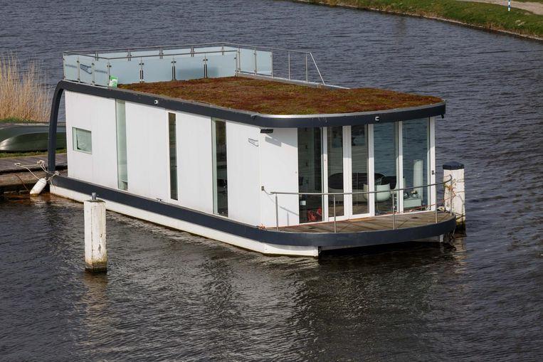 Een van de twee slaapkamers in de woonboot.