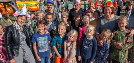 Vier juffen vieren een bijzonder jubileum Kockengense school