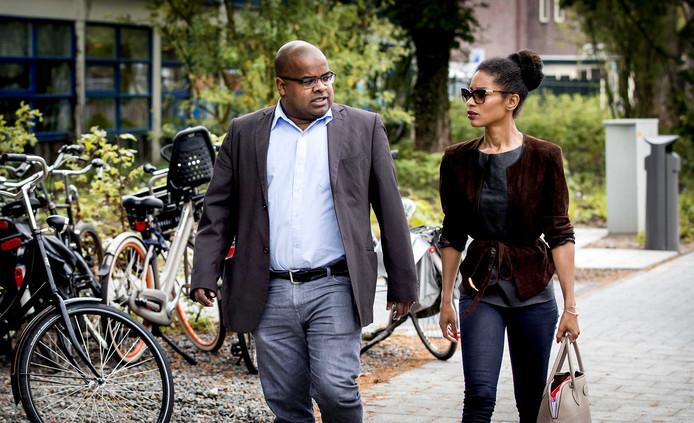 Sylvana Simons komt aan bij de rechtbank in Amsterdam.