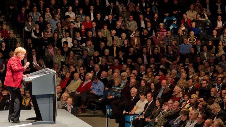 Angela Merkel houdt een verkiezingstoespraak. Beeld epa