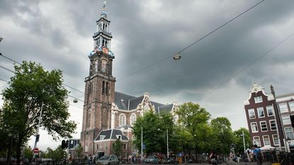 Op hol geslagen klokkenspel houdt Amsterdam urenlang wakker